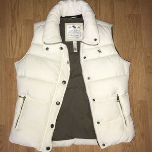 Women's Medium White Abercrombie and Fitch Vest